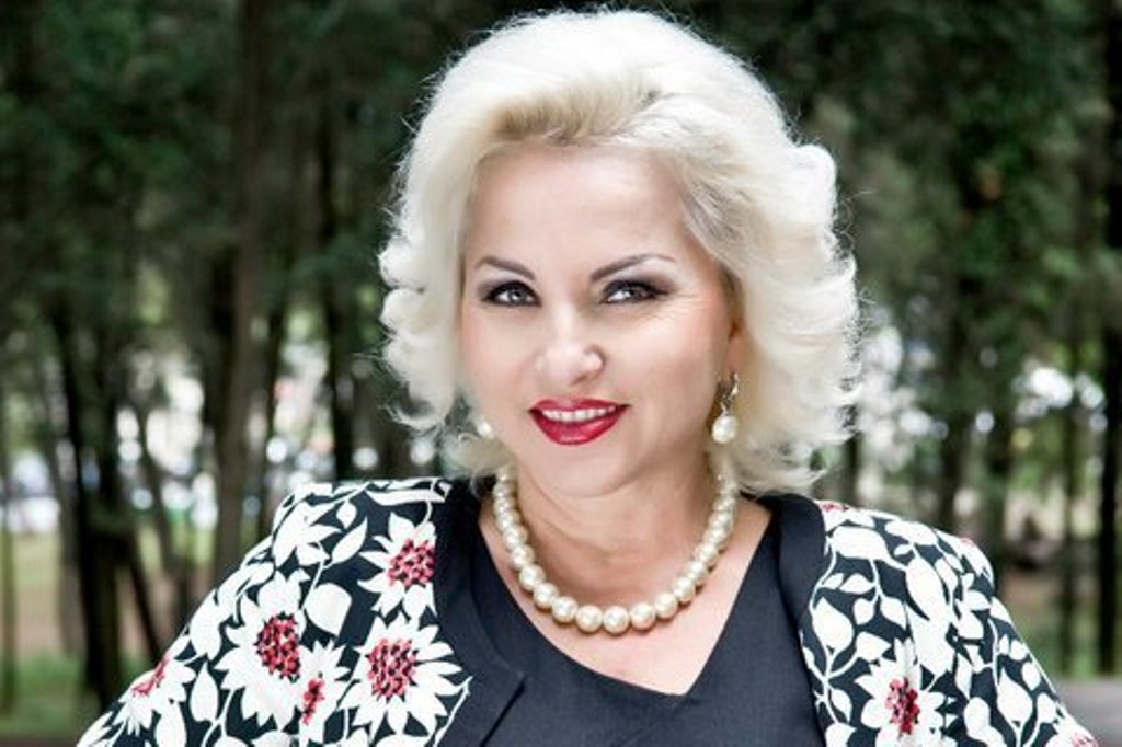 Rita Lati: Parodia më dha suksesin, humori përmes këngës ngjit më shumë