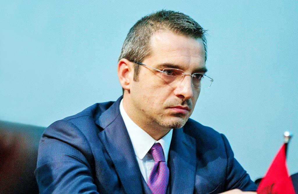 """""""ANTENA JASHTË FAMILJES"""", Saimir Tahiri i shkruan Edi Ramës: Të falenderoj që nuk më bëre Ministër!"""
