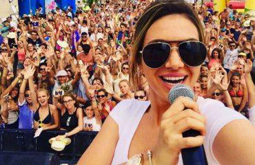 """Elvana Gjata magjeps publikun francez me """"Forever is over"""""""