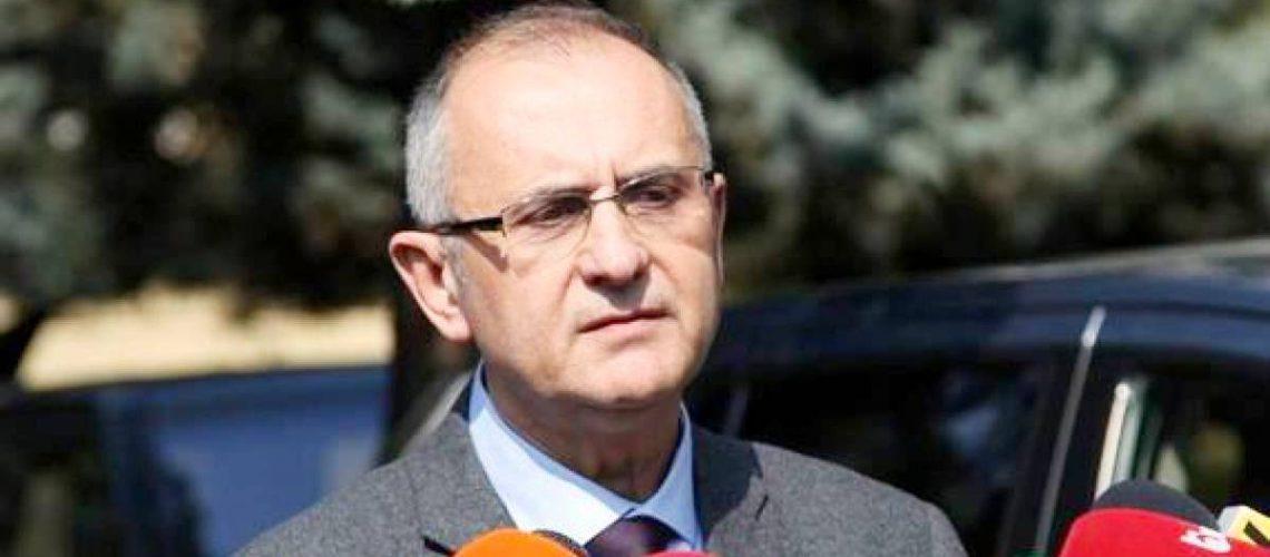 LSI, Vasili- Ramës për vettingun: Është i paditur dhe e urren, ndaj e pengon të funksionojë
