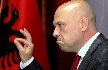 Reagon ish-ministri i Drejtësisë Ylli Manjani: Nuk po arreston shteti, por pushteti