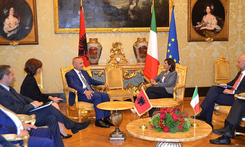 Presidenti Meta në vizitë zyrtare në Itali: Të kemi një agjendë të përbashkët, jo vetëm parlamentare