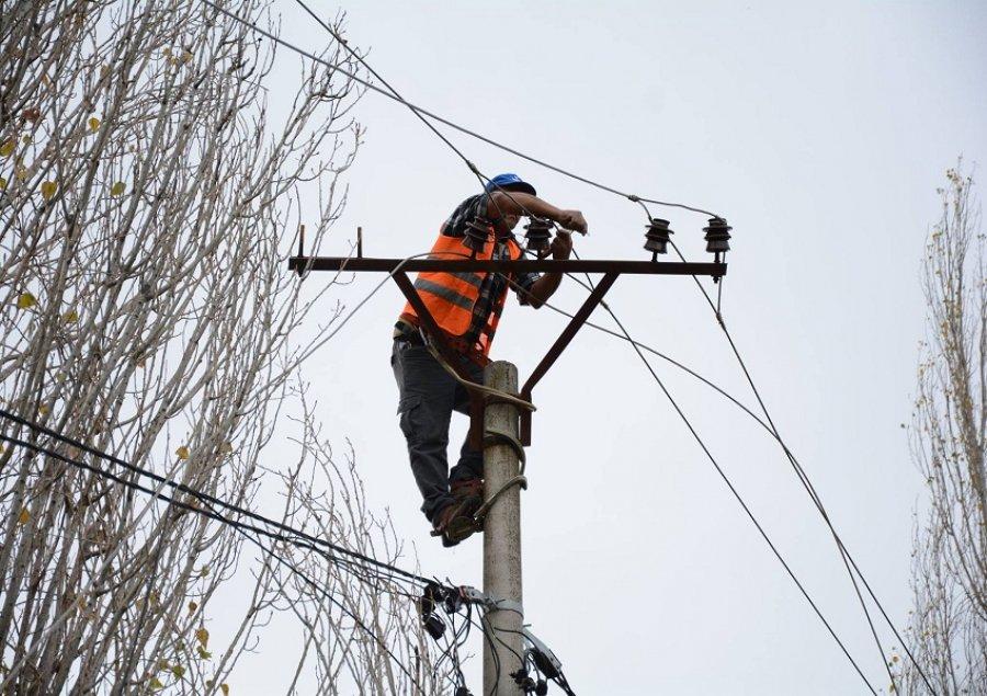 OSHEE nis punimet në Vorë, ja zonat ku do të ndërpritet energjia nesër
