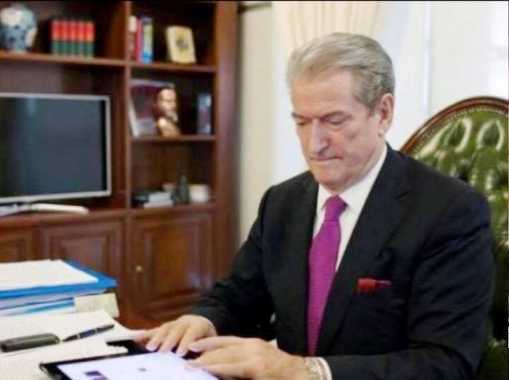 Berisha akuzon ministren e Arsimit: Ndrikull Nikolla firmos dështimin e ligjit të arsimit të lartë