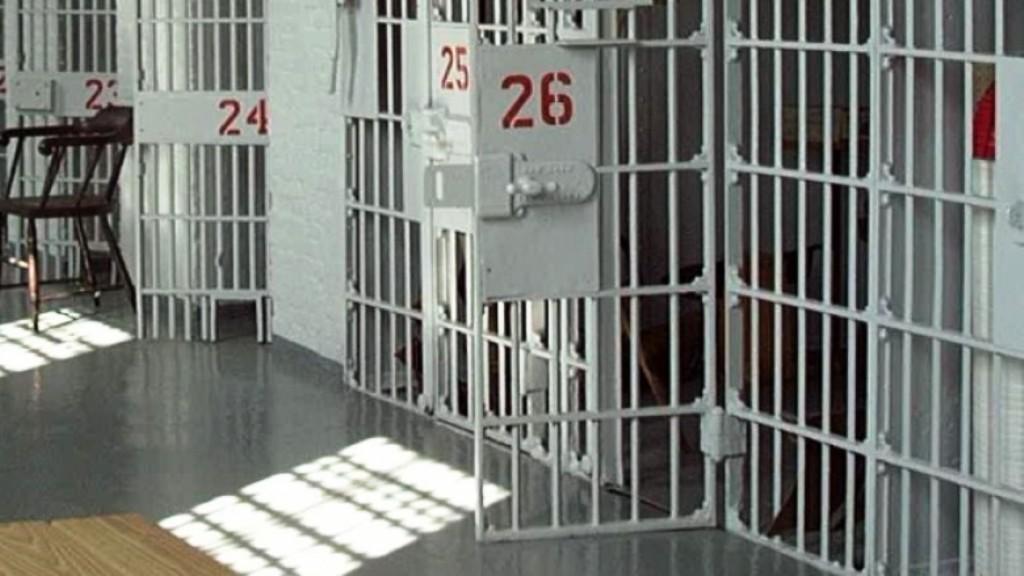 Ndërron jetë në spital një i dënuar për vrasje