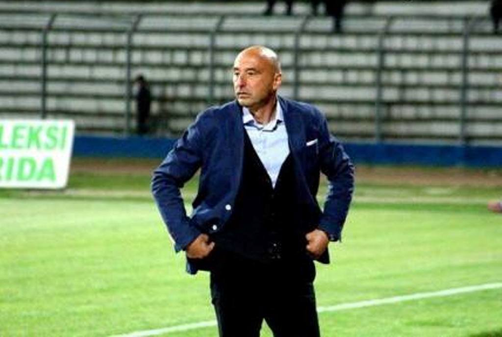 Ernest Gjoka, në listë për të pasuar trajnerin Bunjaki te Kosova