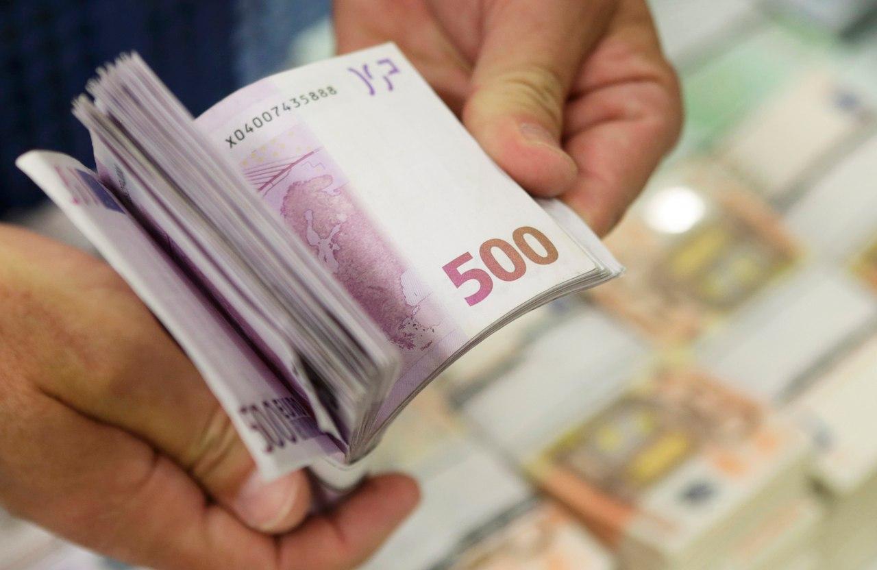 """Euro """"e kap veten"""", nis rimëkëmbjen ndaj lekut"""