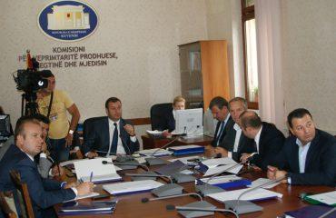 Komision i Veprimtarisë Prodhuese miraton dekretin për ligjin e mbetjeve