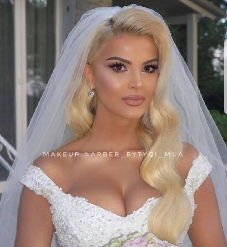 Marina shfaqet nuse për herë të parë, detajet e dasmës me Getoarin (Foto)