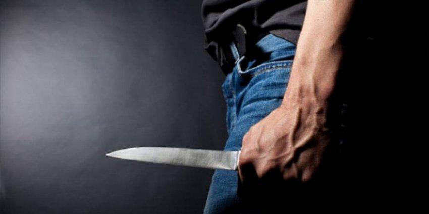 Vëllai plagos me thikë vëllain