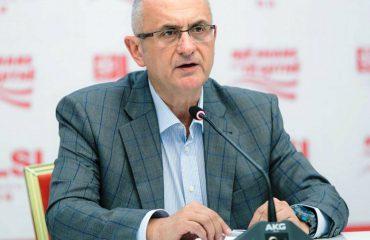 Vasili reagon për fondin e pishave: Kjo është vjedhje e ndyrë. Sa turp!