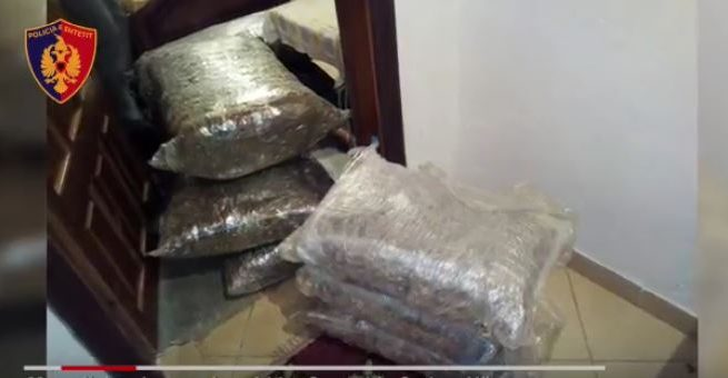 I gjenden 64 kg kanabis në shtëpi, arrestohet 50-vjeçari nga Memaliaj