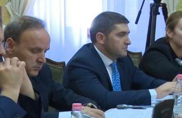 """Prova të reja nga Leçe, mbledhja e Këshillit të Mandateve """"me dyer të mbyllura"""""""