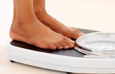 Shtoni në peshë shpejt? Arsyet që ndikojnë në metabolizëm