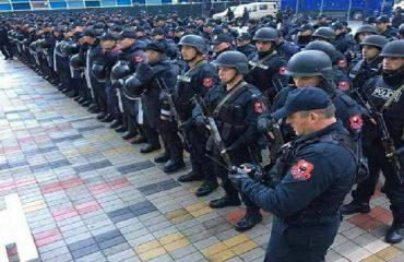 Partizani i Beogradit vjen i blinduar në Elbasan, policia kontroll çdo tifozi