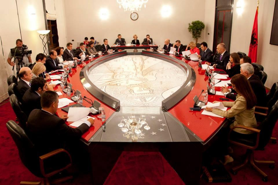 Rrjetet sociale dhe qeveria Rama, kush janë më popullorët dhe më të ndjekurit nga ministrat