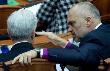 """Ndërsa Këshilli i Mandateve diskutonte çështjen """"Tahiri"""", Rama takon Xhafaj"""
