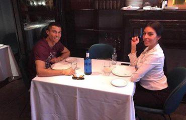 Ronaldo shkon në restorant, por askush nuk e vë re bukuroshen përballë tij!