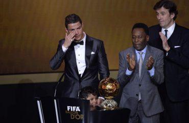 """""""Topi i Artë"""" i Ronaldos shkon për bamirësi"""