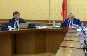 Imuniteti i Tahirit, Ruçi kërkon shtyrjen e mbledhjes për nesër, opozita kundër