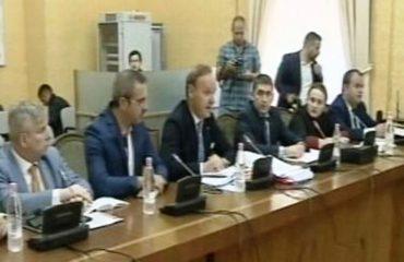 """Prokuroria tregon provat sekrete, Këshillit të Mandateve """"nxjerr jashtë"""" Tahirin"""