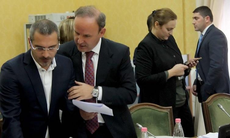 Mosmarrëveshjet politike/ Për arrestimin ose jo të Saimir Tahirit priten dy raporte në Kuvend