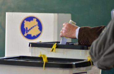 Mbyllen qendrat e votimit në Kosovë, votojnë vetëm 43,7% të zgjedhësve