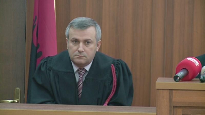 Zbulohet ndërmjetësi mes gjyqtarit dhe të dënuarit për vrasje