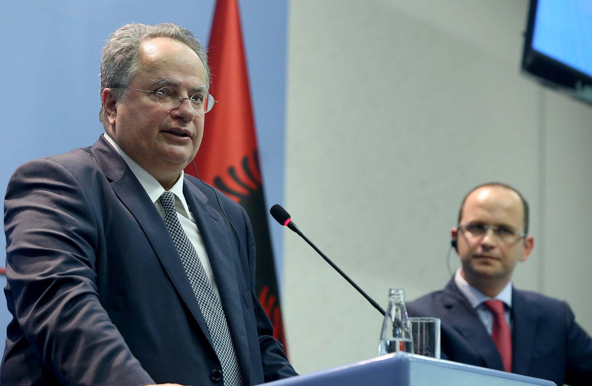 Ministri i Jashtëm grek, Kotzias: T'i zgjidhim çështjet e hapura sot, e duam Shqipërinë në BE