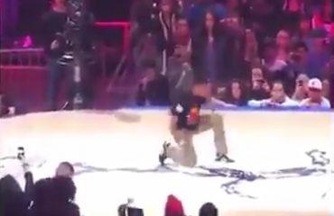 Ky djalosh nuk është akrobat...është përbindësh (Video)