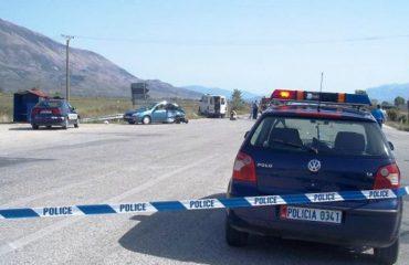 Vinçi përmbyset në Shkodër, humb jetën drejtuesi, plagoset pasagjeri