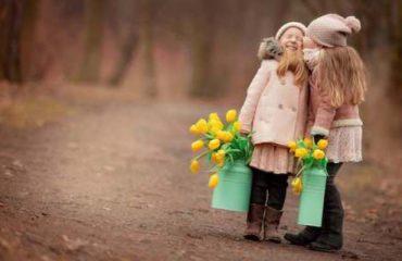 Miqësia mes femrave: Çfarë të mësojmë që fëmijë