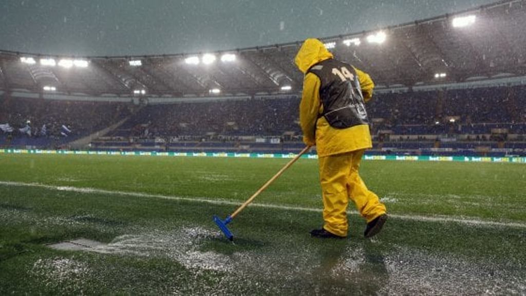 """Juve feston e futet mes Inter e Napolit, në valle edhe Roma, përmbytje në """"Olimpico"""""""