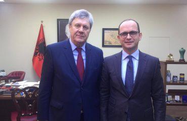 Kryediplomati shqiptar takon ambasadorin rus në Tiranë