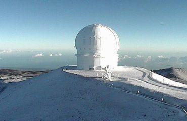 Çudirat e motit të paparashikueshëm: Dëborë edhe në ishullin tropikal Hawai (VIDEO)