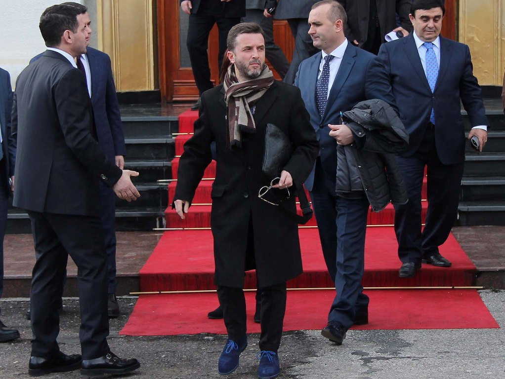 Zbulohet raporti drejtuar shokut Arben Ahmetaj: Ja përse Erion Braçe po na tradhëton!
