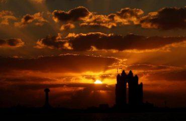 Perëndimi i diellit në Abu Dhabi, një foto spektakolare