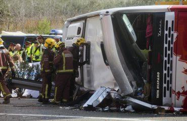 Autobusi përplaset me karrotrecin, 6 të plagosur