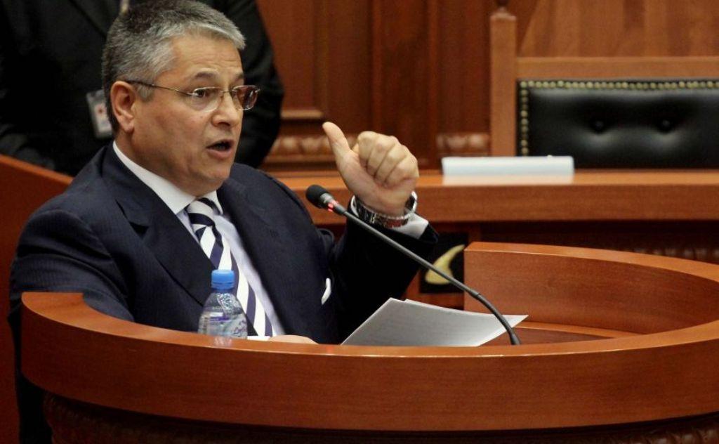 """""""ANTENA JASHTË FAMILJES"""": Flet shoku Afrim Qendro: Bashkim Fino tha që rruga Berat-Përmet, mos të kalojë në Këlcyrë..."""