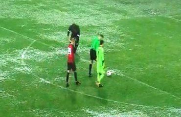 Flamurtari hap stadiumin për tifozët në 45 minutat e dyta me Laçin