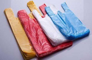 Ministria e Mjedisit heq nga tregu qeset plastike