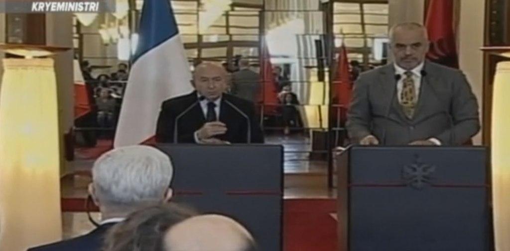 """Franca e shqetësuar për azilkërkuesit shqiptarë, por """"ka progres për frenimin"""""""