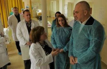 """""""ANTENA JASHTË FAMILJES"""": Ja përse u dorëhoqën mjekët te Urgjenca: Nuk e duan mjekësinë falas"""