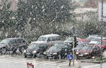 Moti, sot shi në të gjithë vendin, borë në lartësitë 800 m