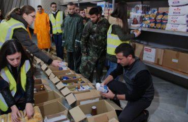 """""""ANTENA JASHTË FAMILJES"""": Pse nuk u dhanë shifra për ndihmat që shpërndau bashkia e Tiranës? Për të mos bërë xhelozë..."""