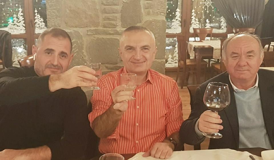 "Presidenti Meta uron nga Korça, 27-vjetorin e ""Rilindjes Demokratike"""