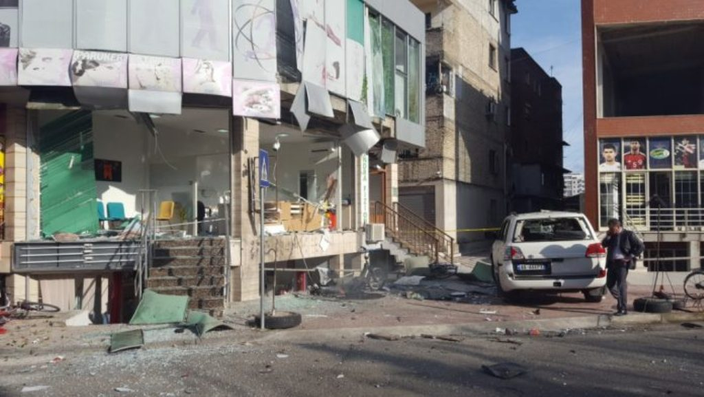 Shpërthim eksplozivi në një ndërtesë në Shkodër, gjashtë të plagosur