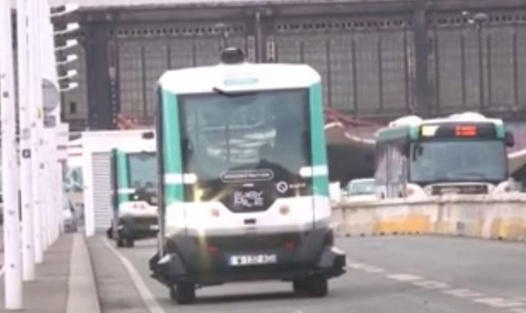 Fantashkenca po bëhet realitet, shikoni si funksionojnë sot autobusët pa shoferë (VIDEO)
