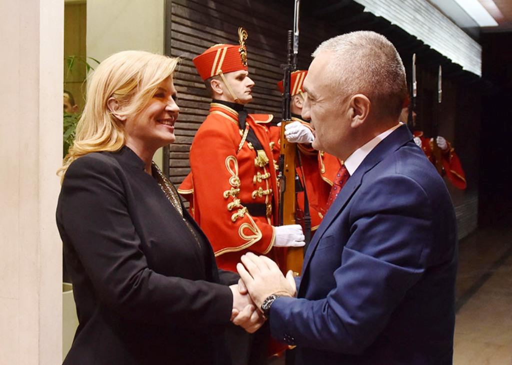 """Meta takon presidenten Kroate, të shqetësuar për ndotjen e """"Adriatikut"""""""