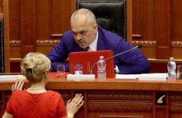 """""""ANTENA JASHTË FAMILJES""""/ Arsim Falas si në Evropë?! What a F..K!"""